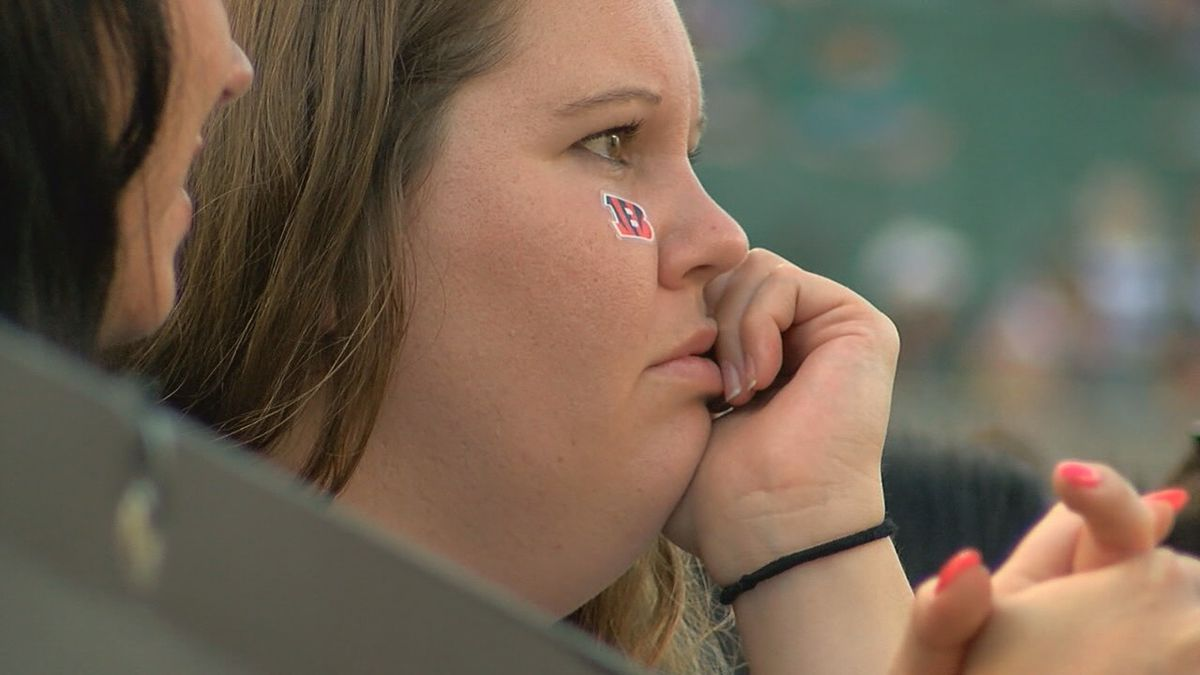 What are fans thinking now that the Bengals are 0-7?