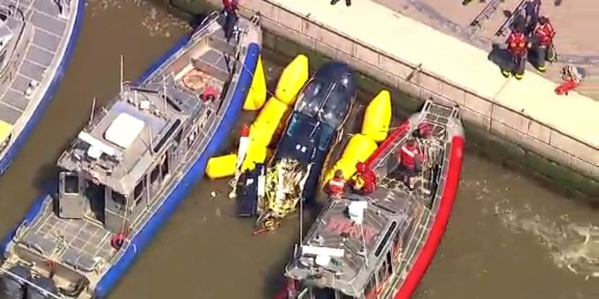 Helicopter crashes in Hudson River near Manhattan's West Side, injures 2