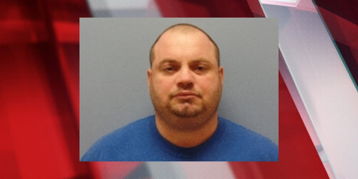 Man accused of drinking beer while watching porn at Sandusky library