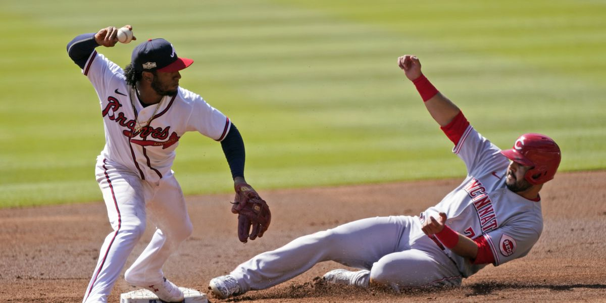 Reds swept by the Braves, make MLB playoff history in shutout losses