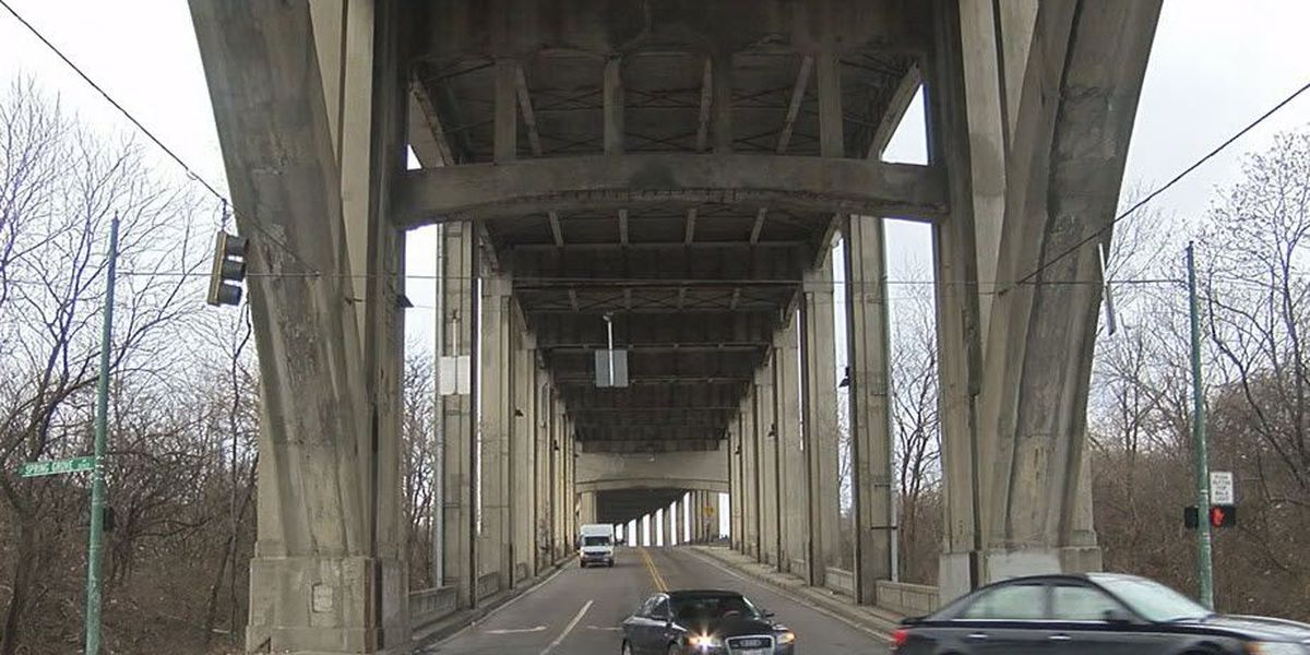 Lower deck of Western Hills Viaduct reopens after falling debris