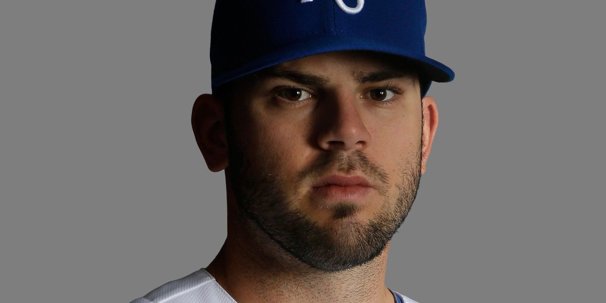 Report: Reds to sign Mike Moustakas