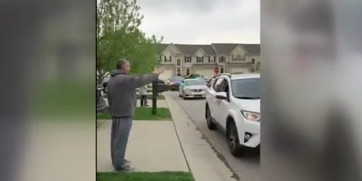 Daughter organizes car parade for retired CPD officer-father fighting cancer