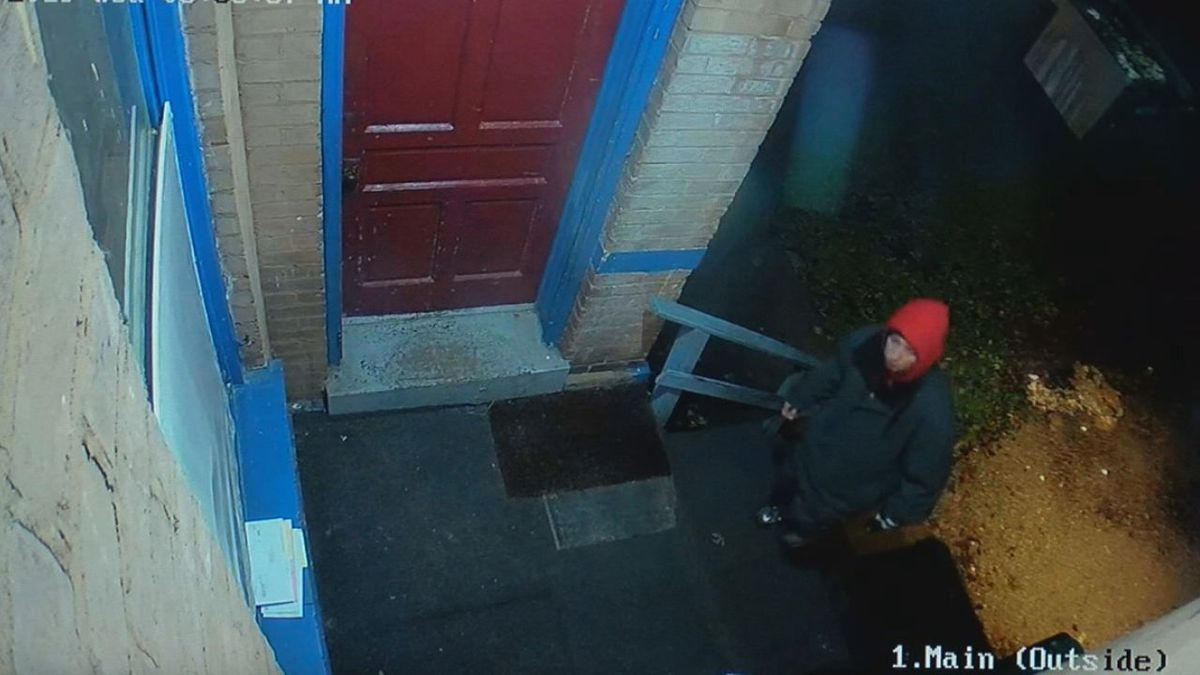 Fairmount home robbed of $700 in Christmas gifts, family says