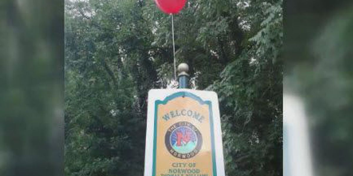Red balloons connected to horror movie 'IT' popping up in Tri-State
