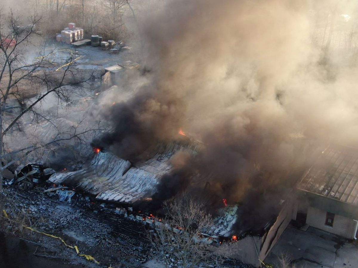 Butler County tire business continues to burn, EPA gives fire crews green light to use water