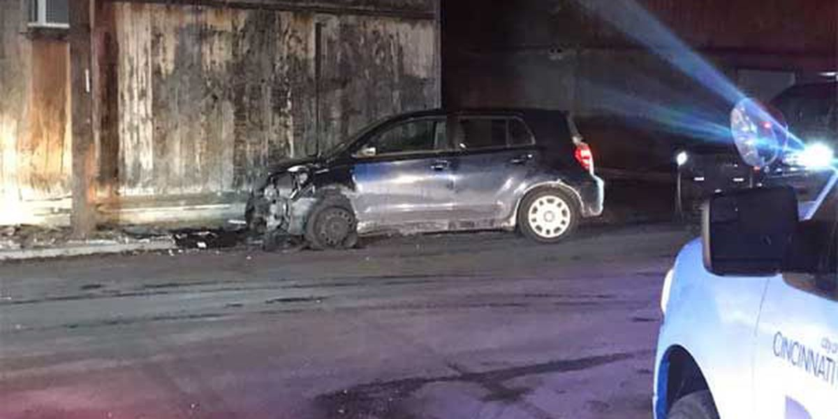 Police chase ends with crash into building, suspect escapes
