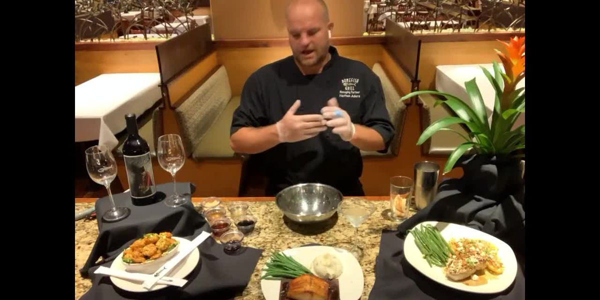How to make old fashioned cedar plank salmon and fresh apple martini from Bonefish Grill