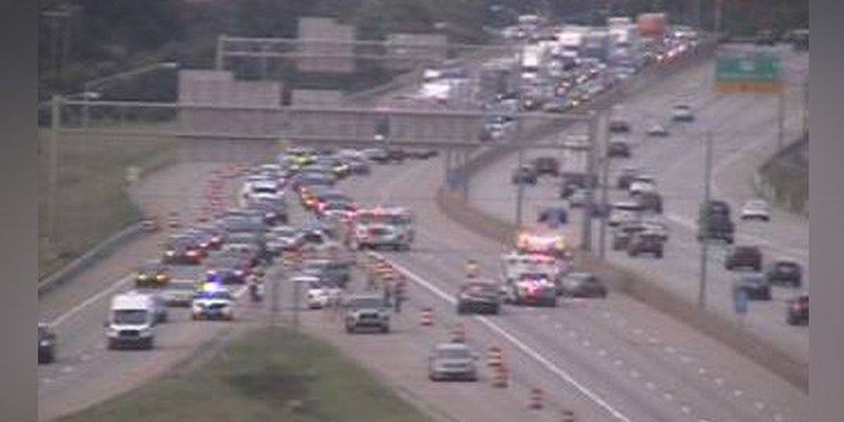 Crash closes I-71/75 Southbound in Northern KY; Traffic diverted to I-275
