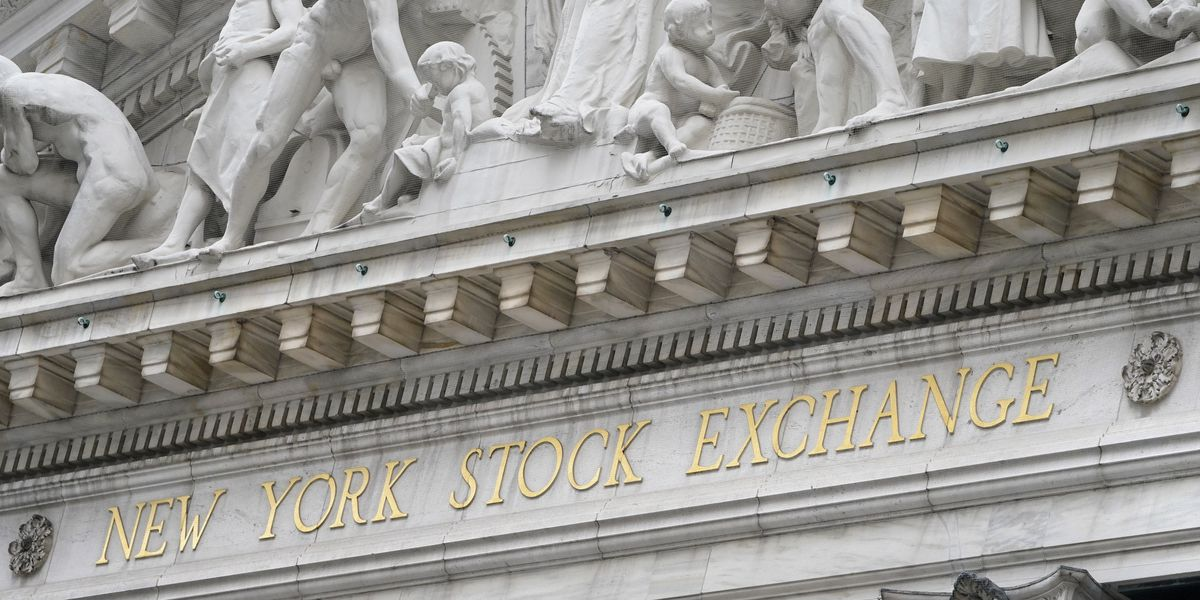 Dow hits 30,000 for first time