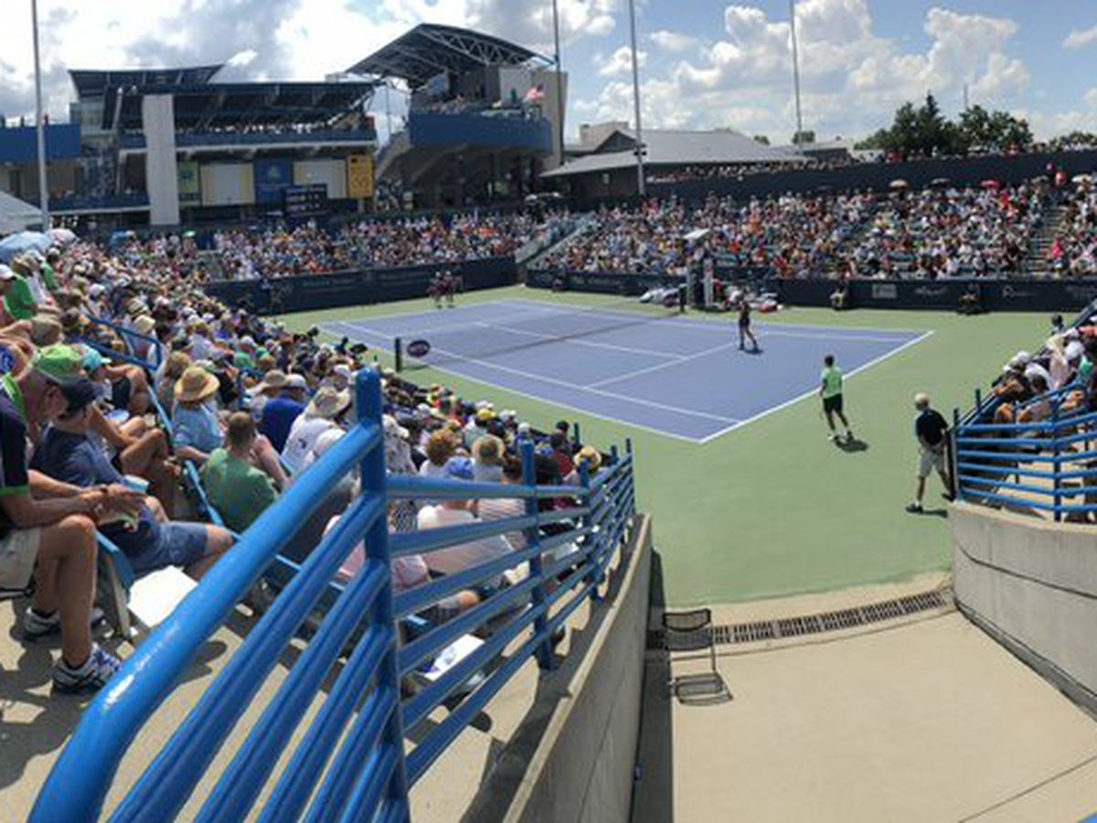 Roger Federer, Cincinnati's Caty McNally lose at Western & Southern Open