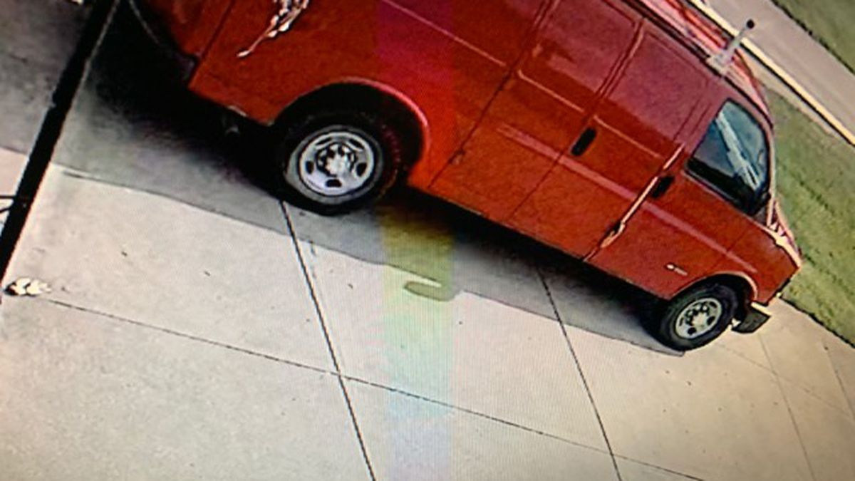 Caught on camera: Man stealing work van filled with thousands of dollars in tools in Fairfield