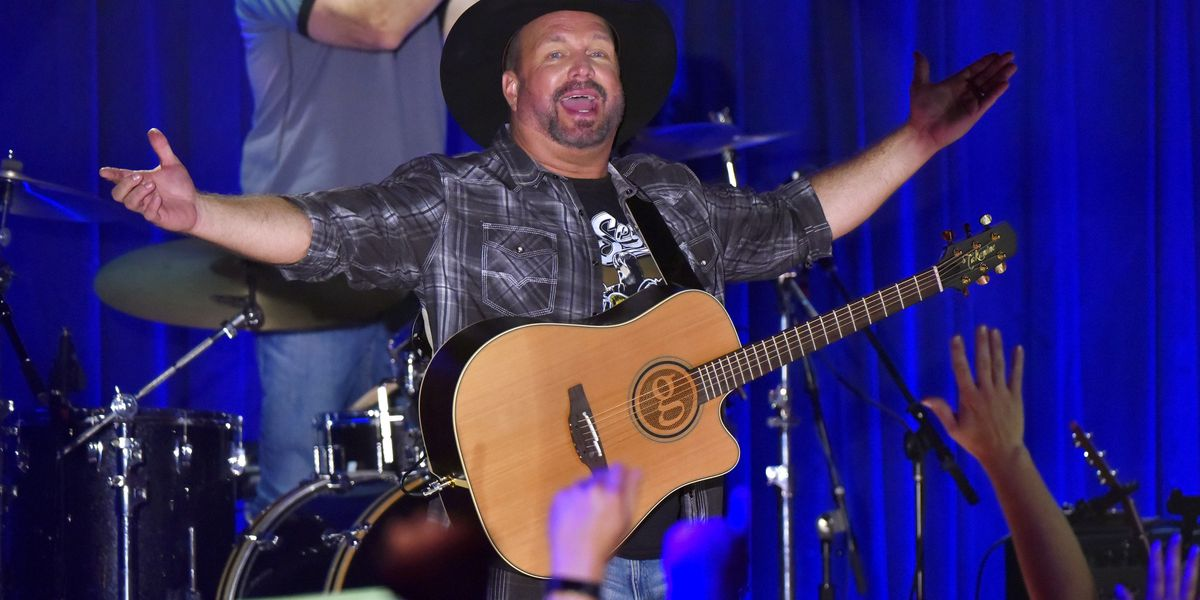Garth Brooks announces stadium tour coming to Cincinnati