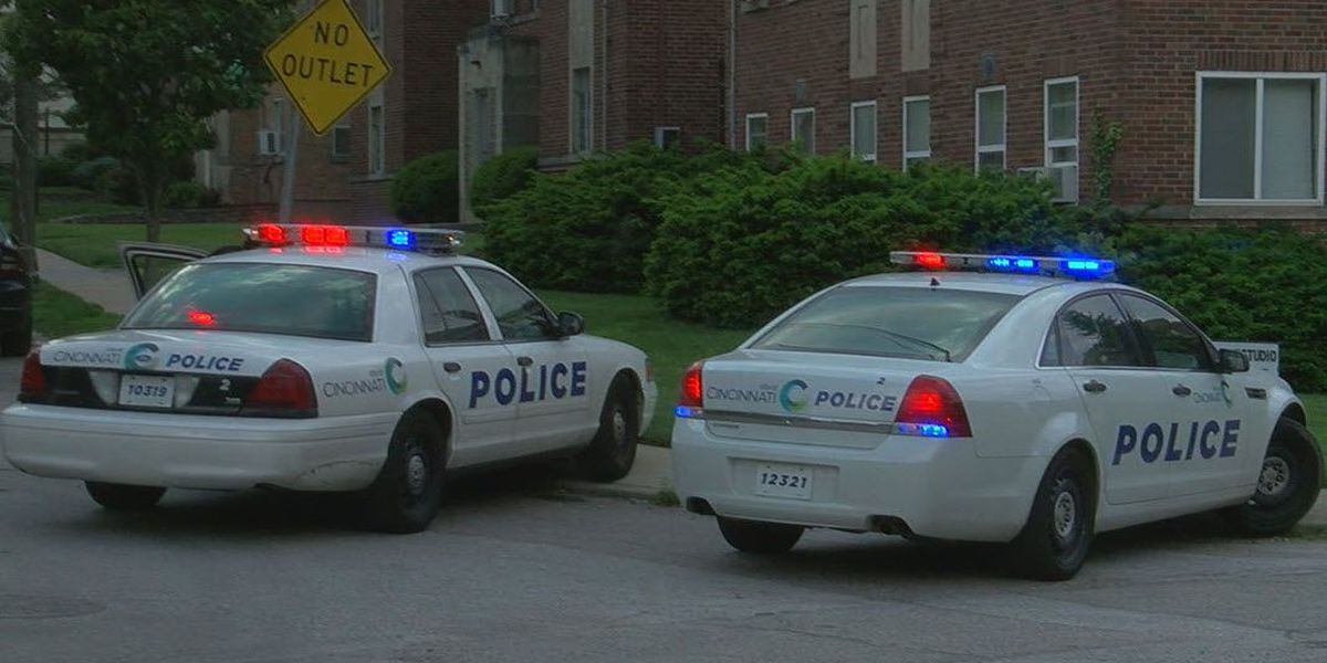 Officials: 1 injured in Hyde Park shooting