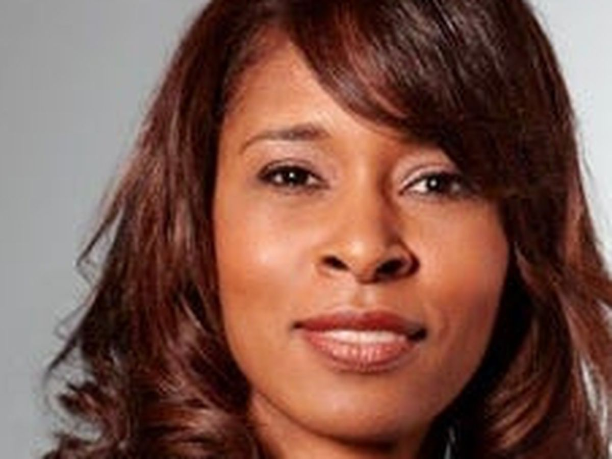 Cincinnati Public Schools' superintendent Laura Mitchell resigns