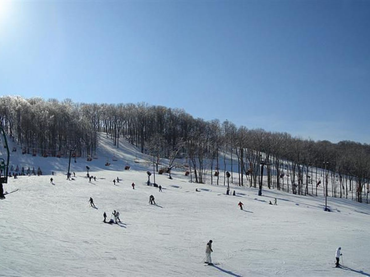 Ski season begins at Perfect North Slopes