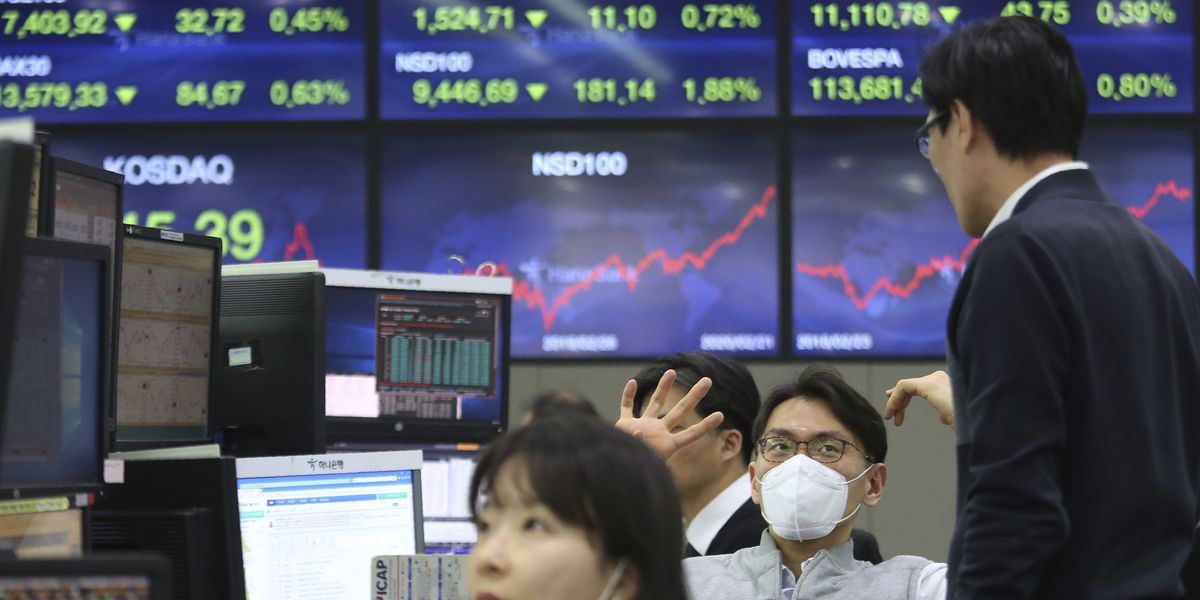 Dow drops more than 1,000 as outbreak threatens the economy