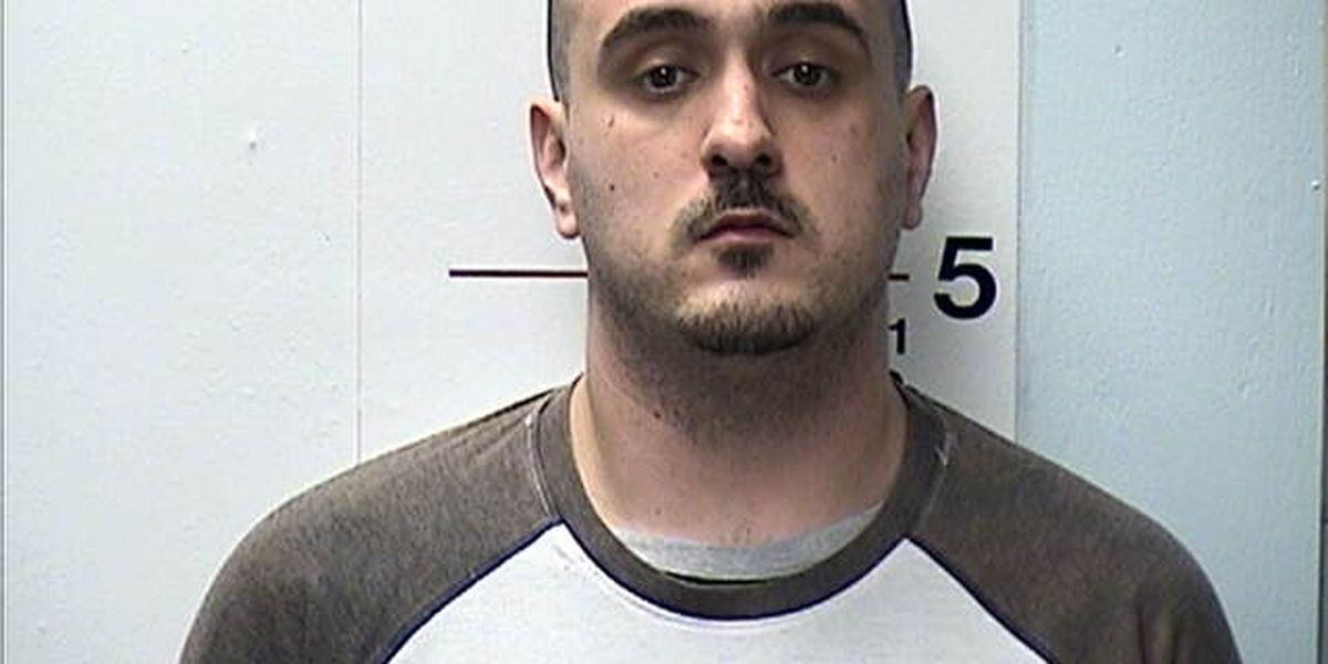 Police: Middletown Maintenance man charged in apartment thefts