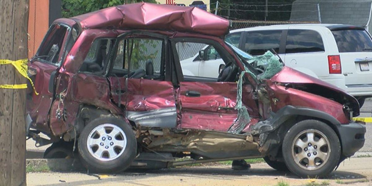 Police investigate serious injury crash in Price Hill