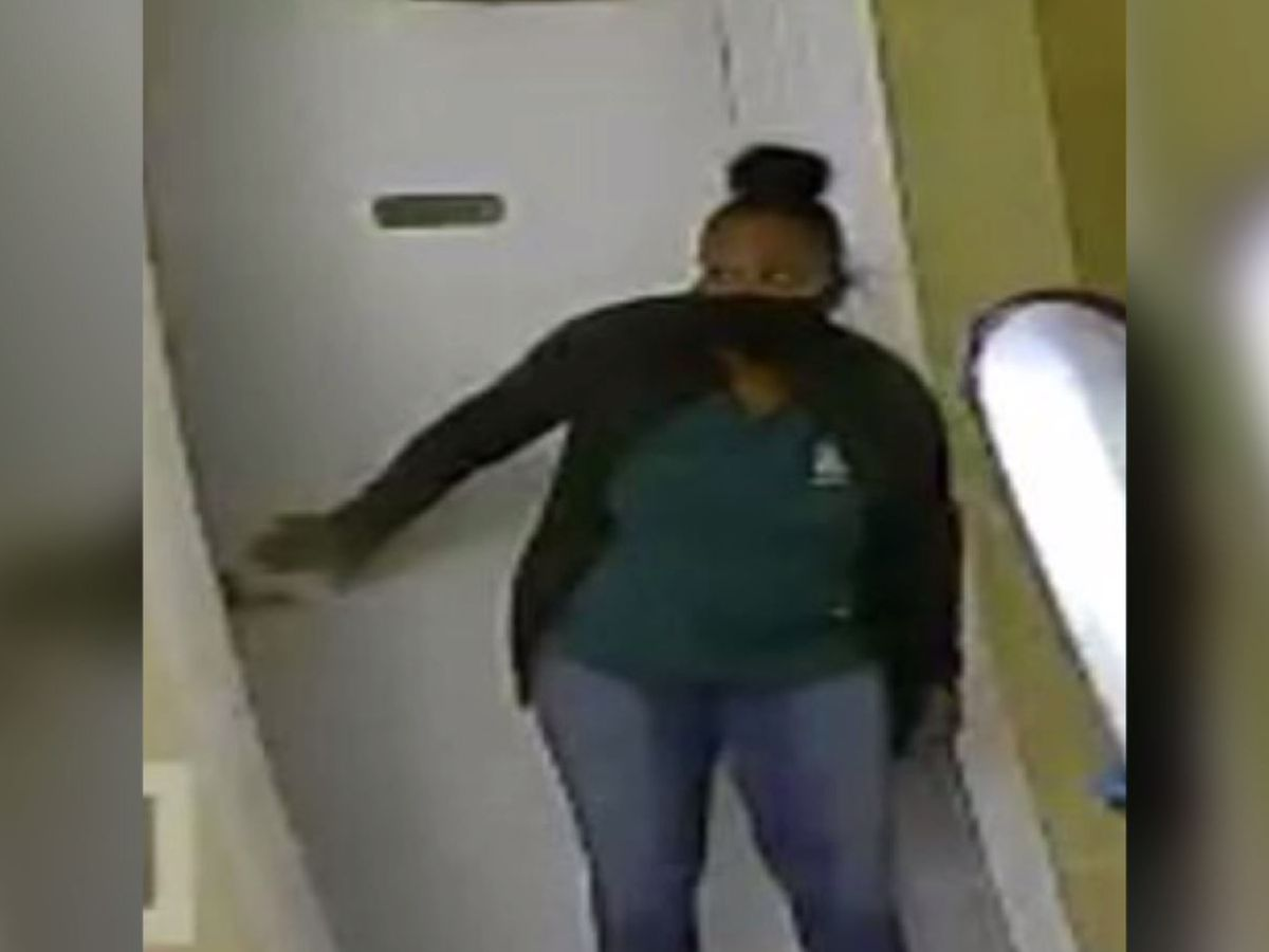 Woman impersonated retirement community employee, stole jewelry, police say