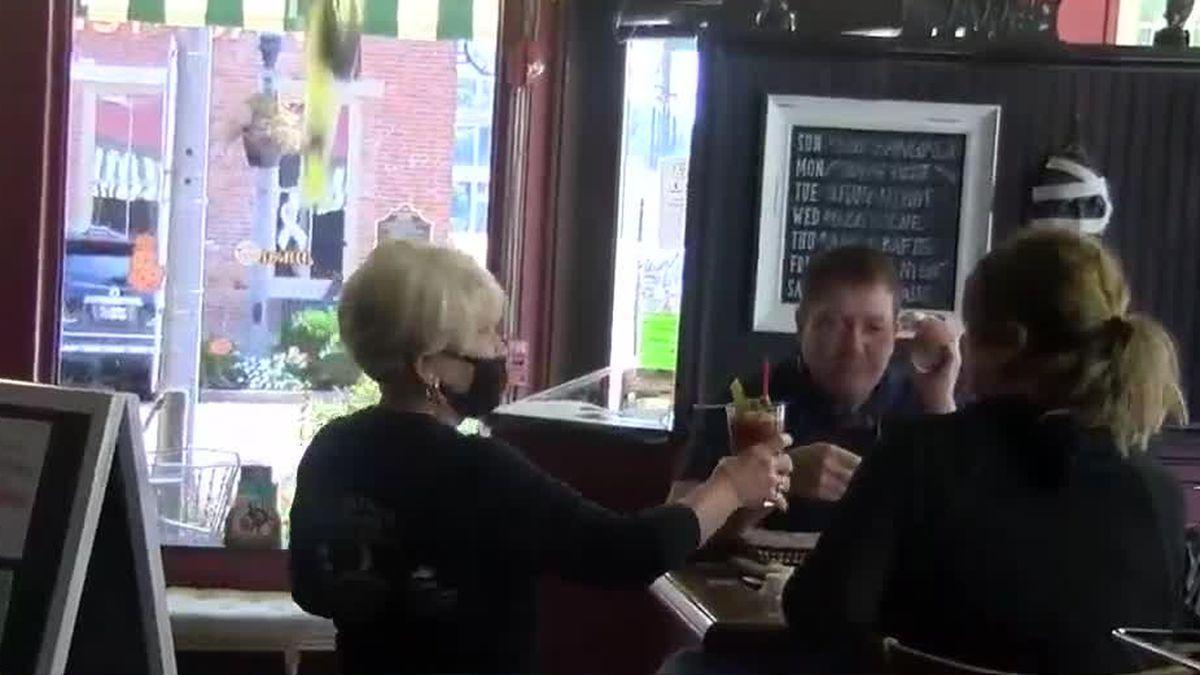 Indiana restaurants, bars back open at full capacity
