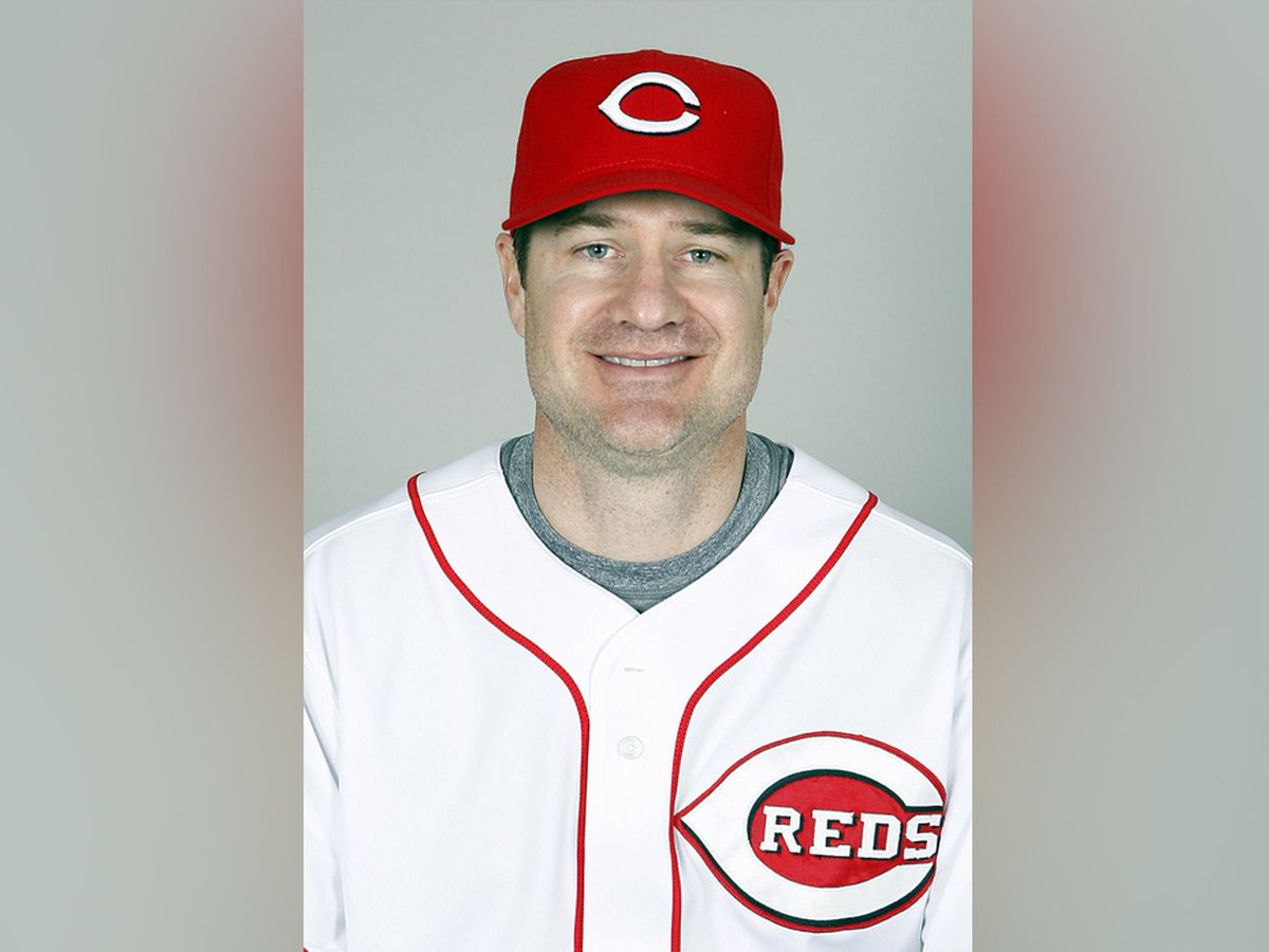 Reds name Cincinnati native David Bell as new field manager