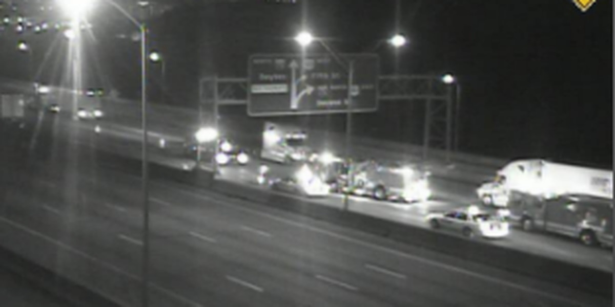 Crash clears NB I-71/75 near Brent Spence