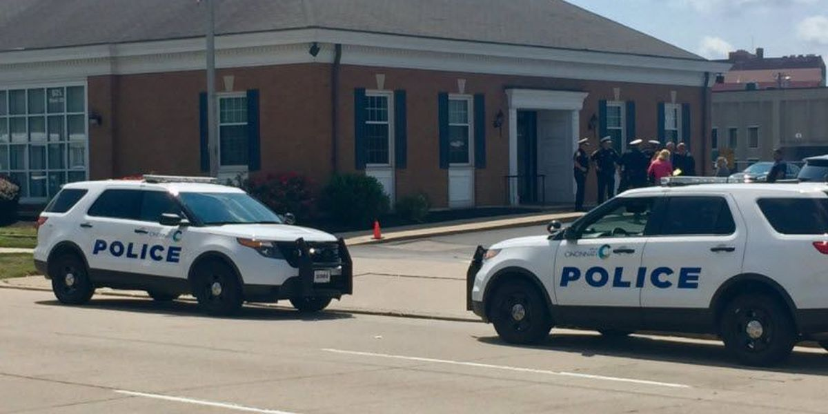 Police investigate bank robbery in Queensgate