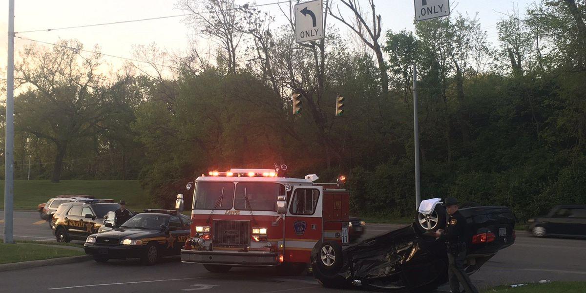Car flips in three-vehicle crash in Mariemont