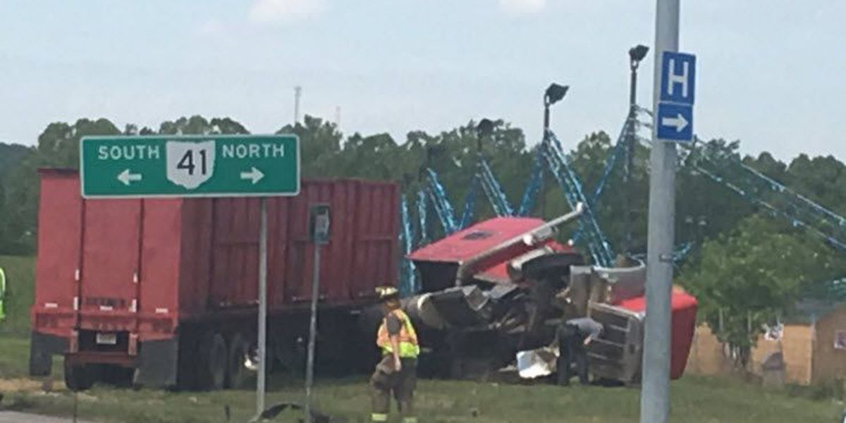 Woman dies in Adams Co. semi crash
