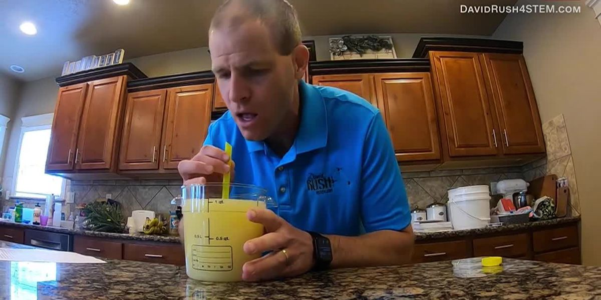 Record-breaking lemon juice chug