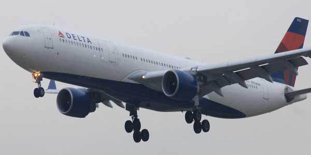 Delta resumes flights, massive cancellations still expected
